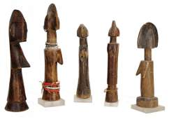 5 pieces Mossi figures, carvedwood, c. 21 - 27 cm