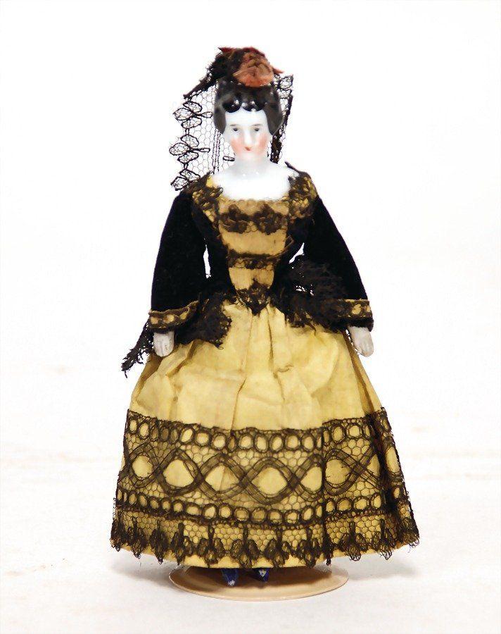 BIEDERMEIER small dollhouse doll, 13.5 cm, enameled