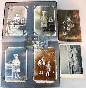 Altes Postkarten-album, Mit Einigen Alten Fotografien,