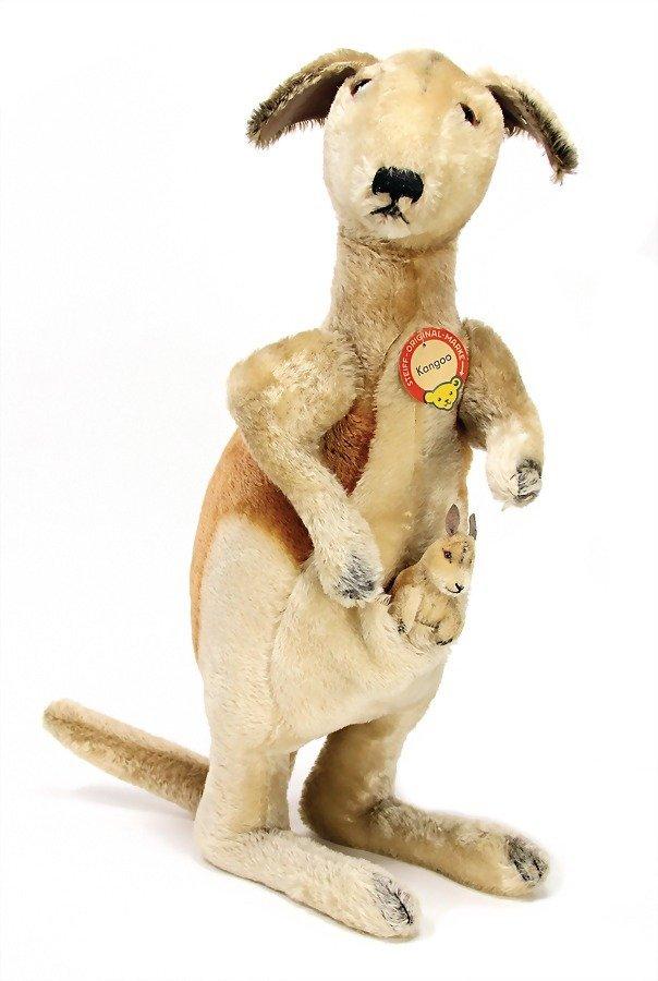 STEIFF Kangoo, kangaroo, nut with baby, with breast