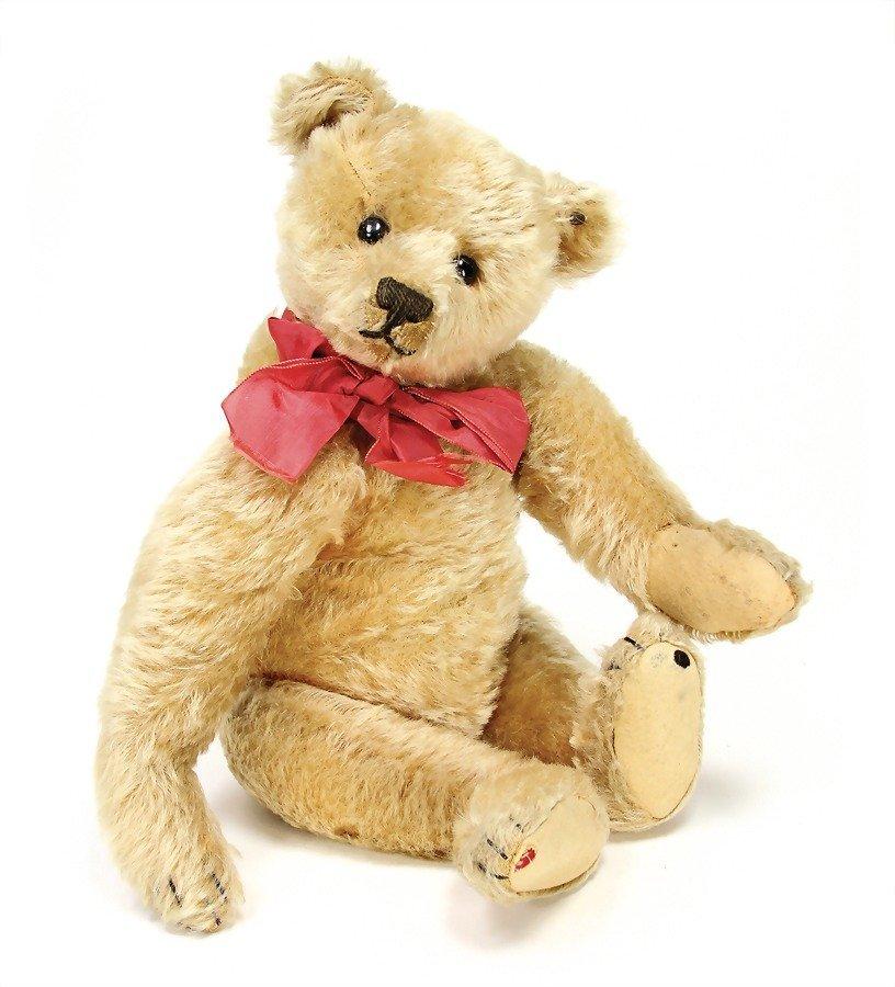 STEIFF bear, produced 1905 - 1906, shiny button, shoe