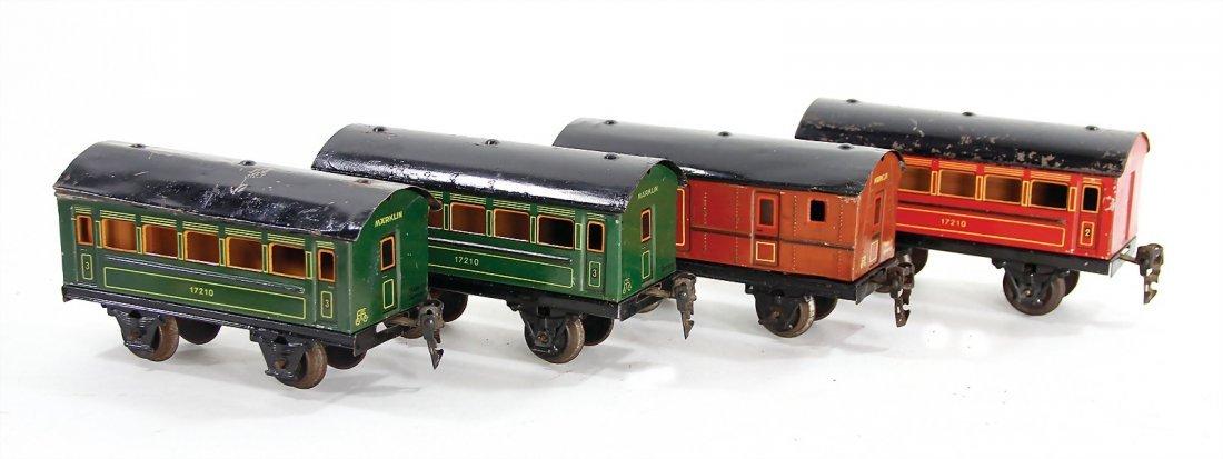 MÄRKLIN track 0, 3 passenger coaches, 1 baggage