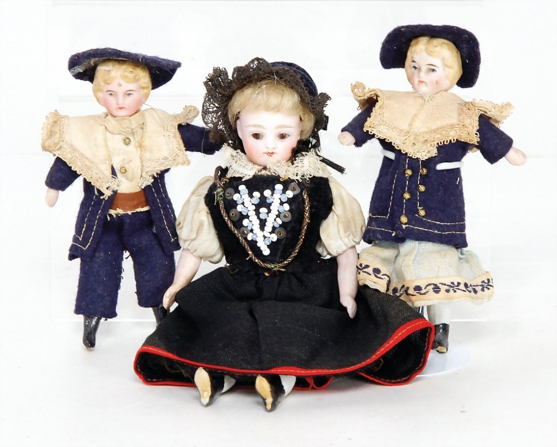 3 dollhouse dolls, children, 10.5 cm, mother, 15 cm,