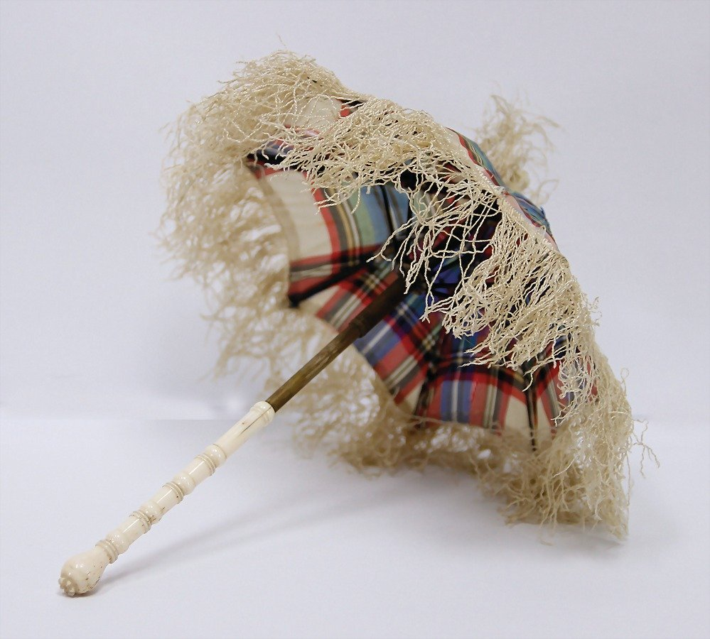 doll umbrella, handle is made of ivory, 19 cm, the