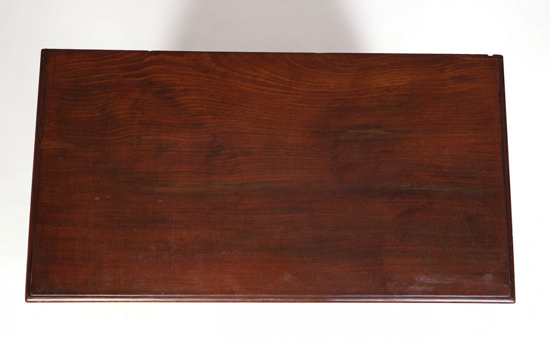 18TH CENTURY CHIPPENDALE KNEEHOLE DESK - 6