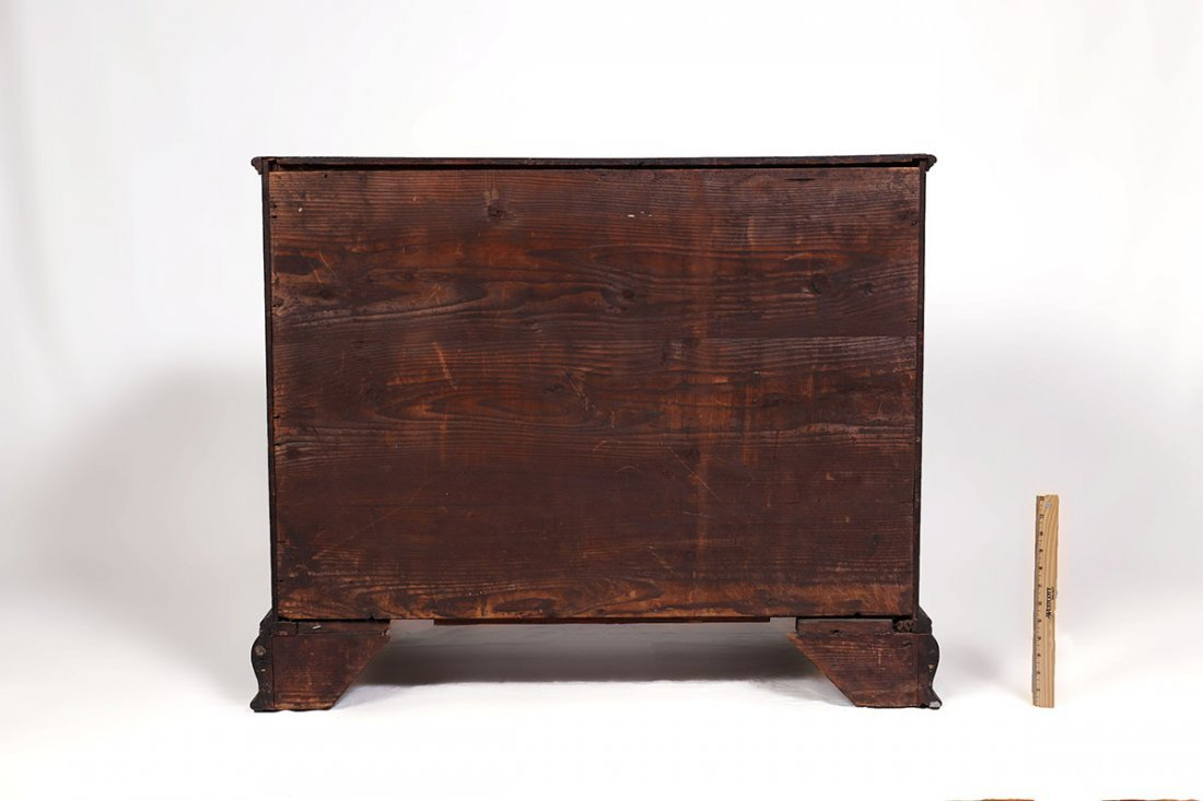 18TH CENTURY CHIPPENDALE KNEEHOLE DESK - 7