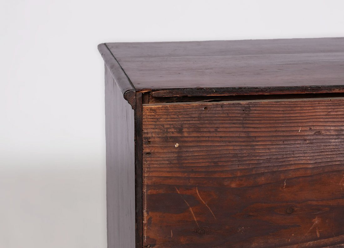 18TH CENTURY CHIPPENDALE KNEEHOLE DESK - 8