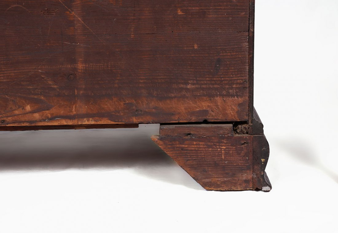 18TH CENTURY CHIPPENDALE KNEEHOLE DESK - 9