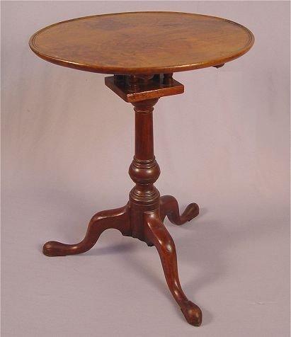 1024: PHILADELPHIA QUEEN ANNE TILT-TOP TEA TABLE