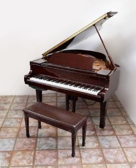 YAMAHA C1 POLISHED MAHOGANY BABY GRAND PIANO