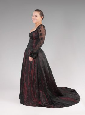 DRAMATIC ESCADA BURGUNDY SATIN GOWN WITH MINK CUFF