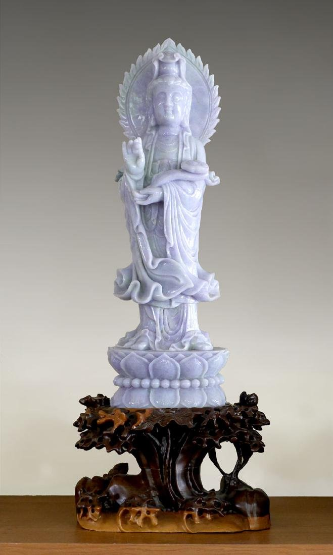 LARGE CHINESE CARVED JADEITE FIGURE OF GUAN YIN