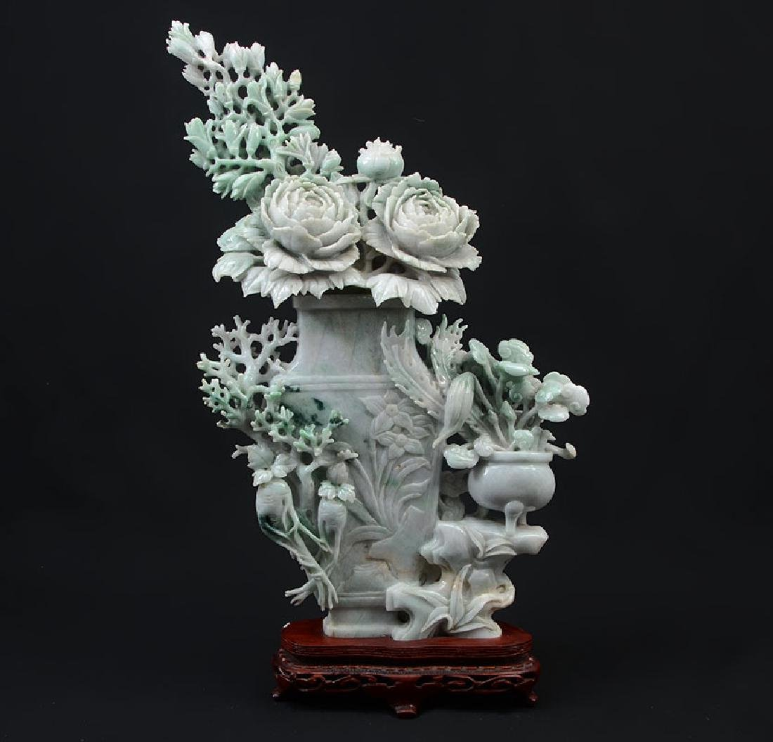 CHINESE CARVED JADEITE FLOWER VASE & FLOWERS