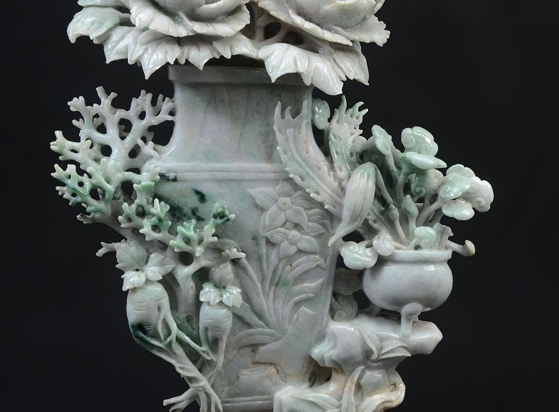 CHINESE CARVED JADEITE FLOWER VASE & FLOWERS - 3