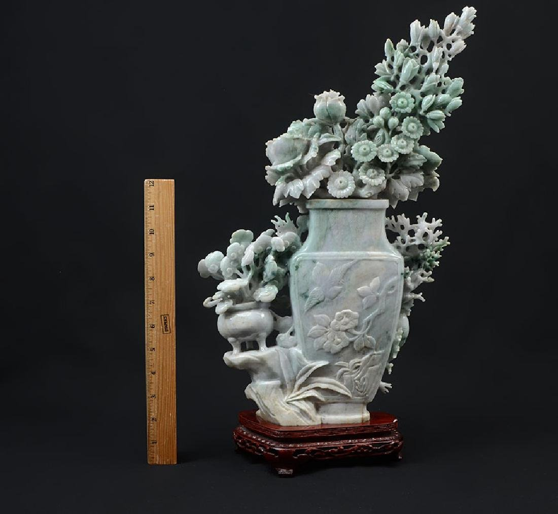 CHINESE CARVED JADEITE FLOWER VASE & FLOWERS - 5