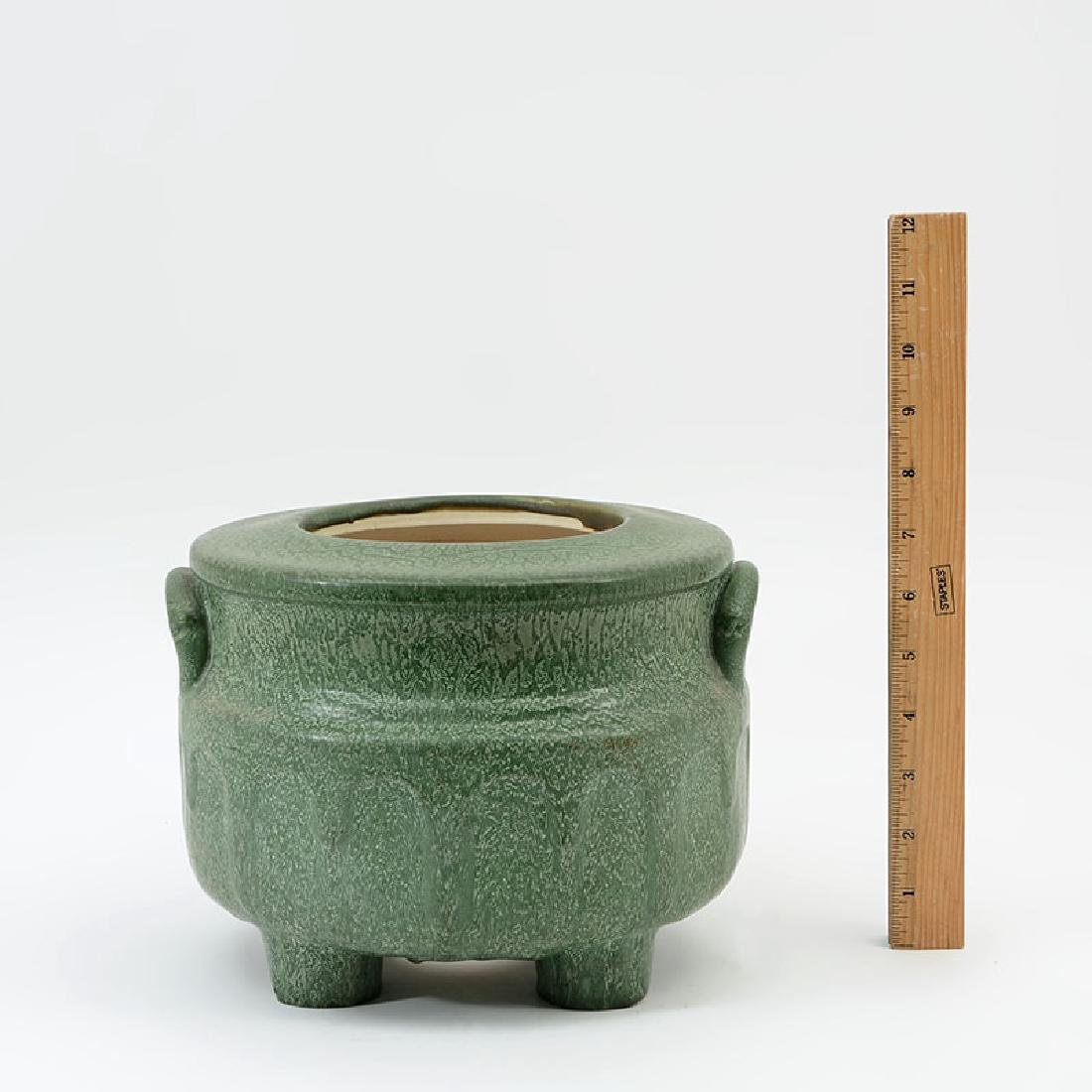 HAMPSHIRE POTTERY MATTE GREEN PLANTER / JARDINIERE - 2