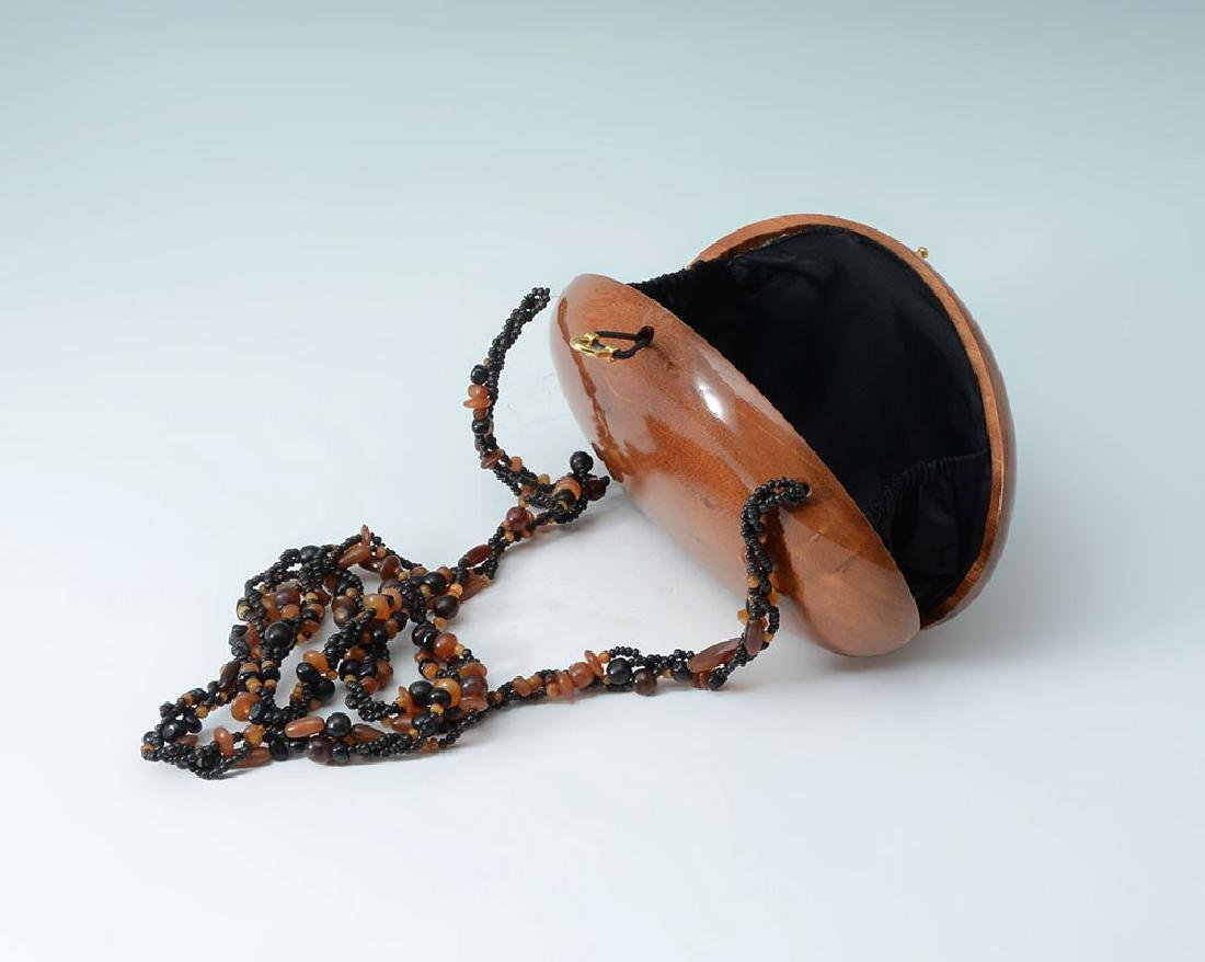 TIMMY WOODS CLAM SHELL PURSE