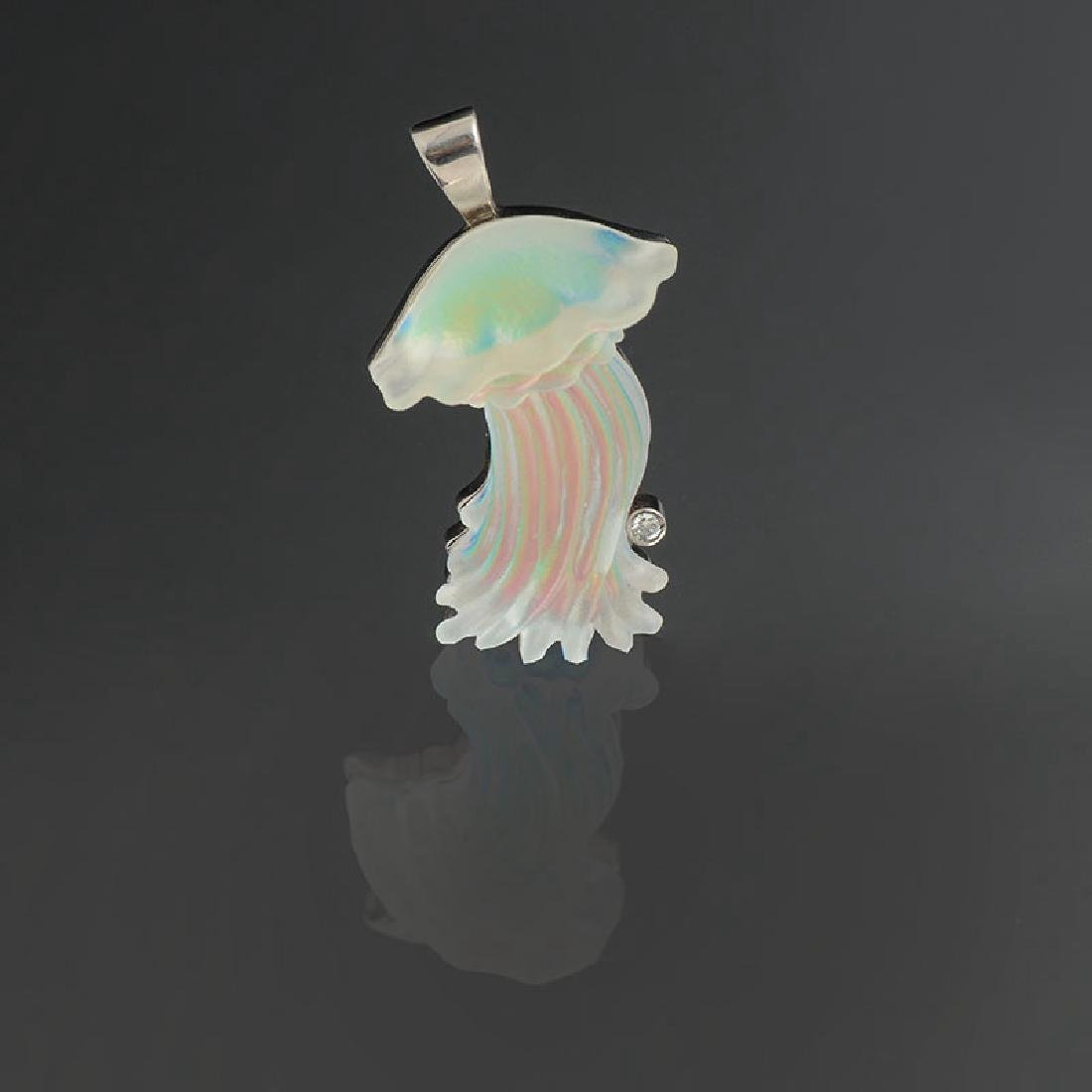 14K CARVED CRYSTAL JELLYFISH PENDANT