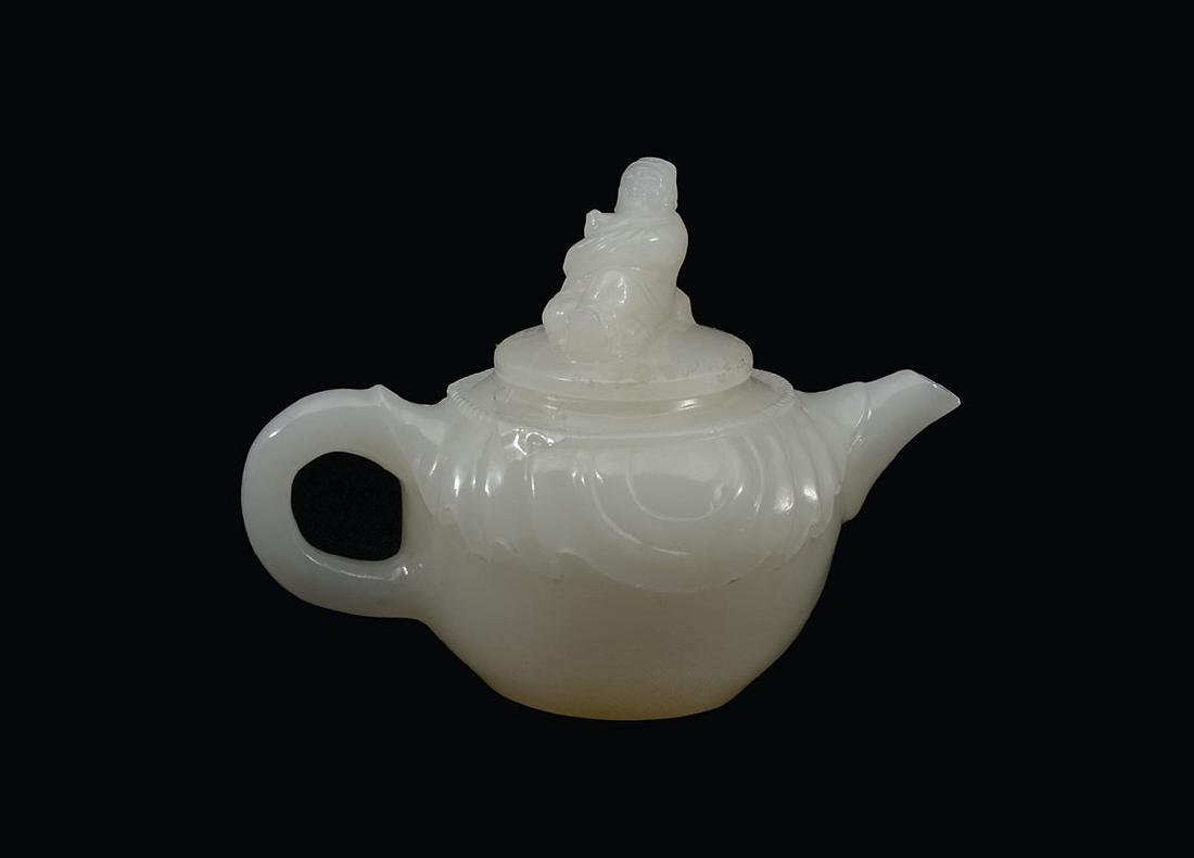 CHINESE CARVED WHITE AGATE TEAPOT
