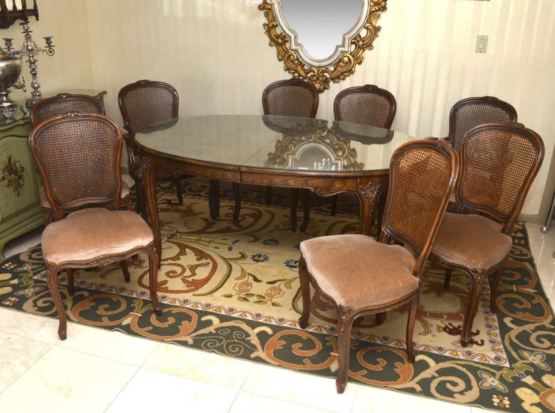 FRENCH STYLE CARVED BAKER DINING TABLE & 8 CHAIRS