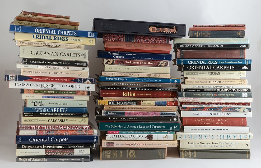 LARGE COLLECTION OF ORIENTAL CARPET REFERENCE BOOKS