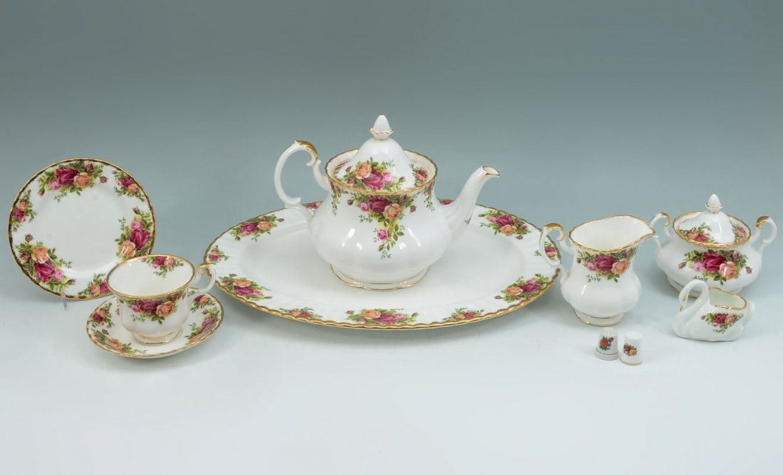 ROYAL ALBERT OLD COUNTRY ROSES TEA SERVICE - 2