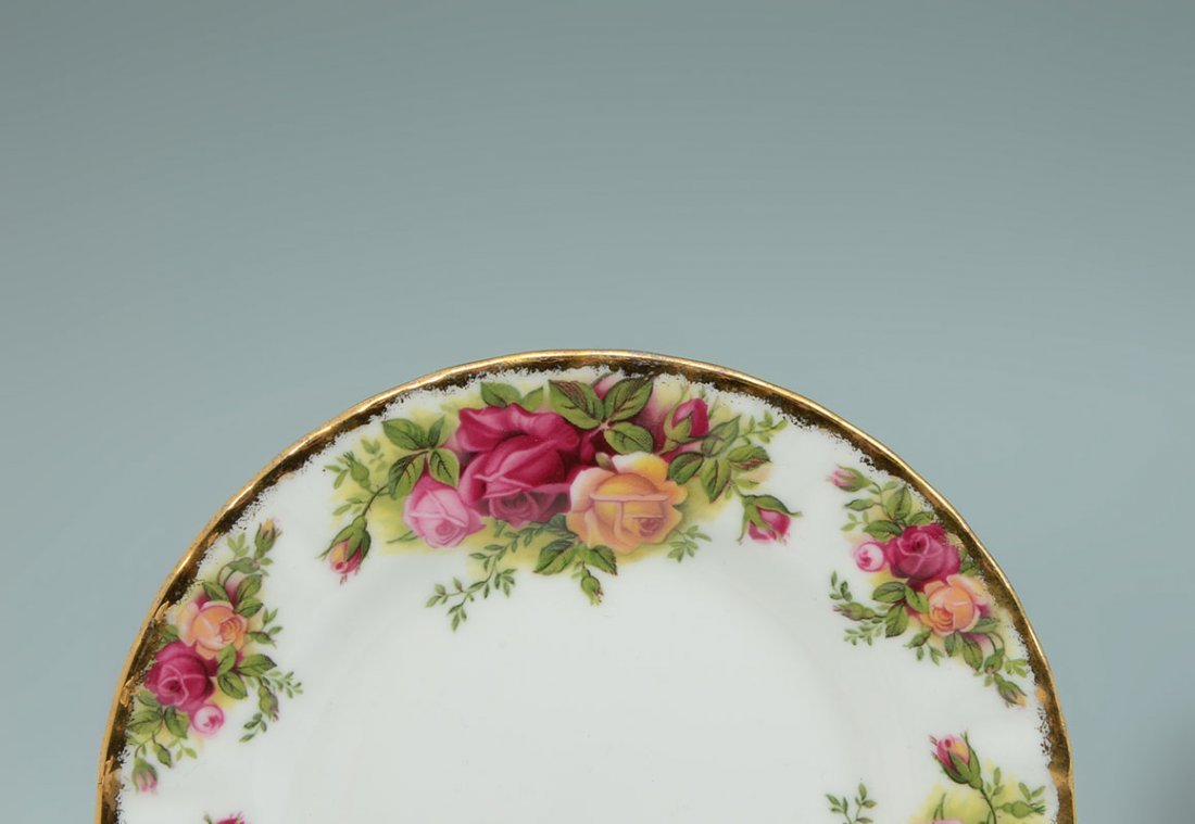 ROYAL ALBERT OLD COUNTRY ROSES TEA SERVICE - 4