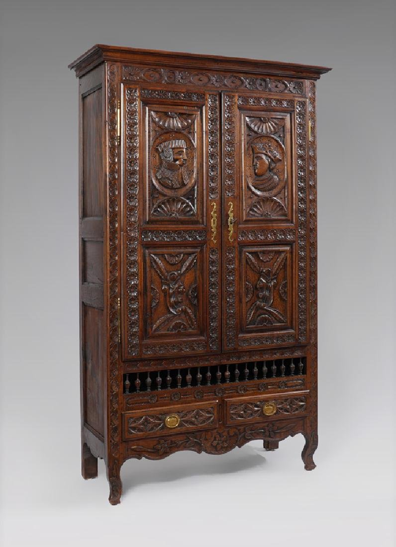 19TH CENTURY BRITTANY CARVED FRENCH CUPBOARD