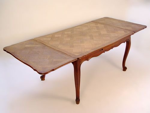1013:  COUNTRY FRENCH OAK PARQUETRY DRAW LEAF  TABLE