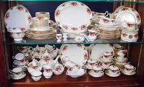 1174 88 pc ROYAL ALBERT OLD COUNTRY ROSES FINE CHINA
