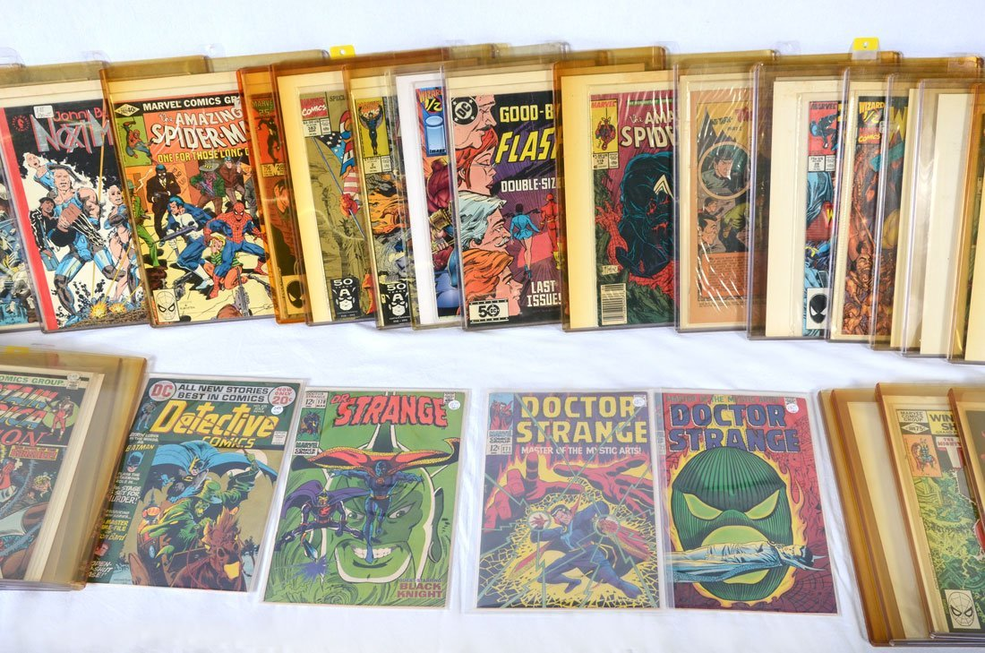COLLECTION OF BRONZE & MODERN AGE COMIC BOOKS
