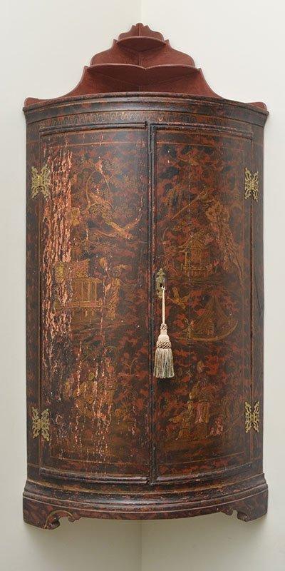 RED CHINOISERIE BOWFRONT HANGING CORNER CABINET - 2