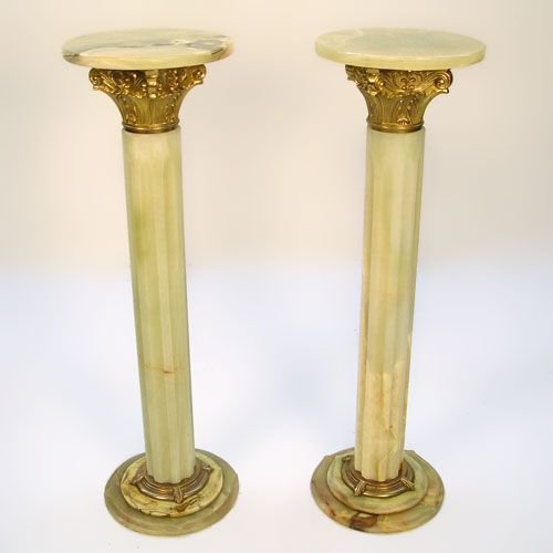 15: MATCHED PAIR OF GREEN ONYX COLUMN PEDESTALS