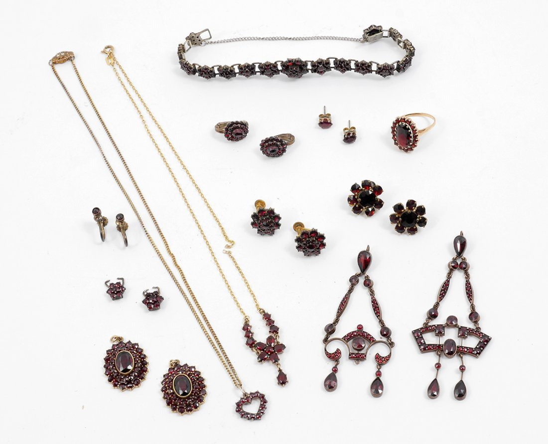 COLLECTION OF GARNET JEWELRY