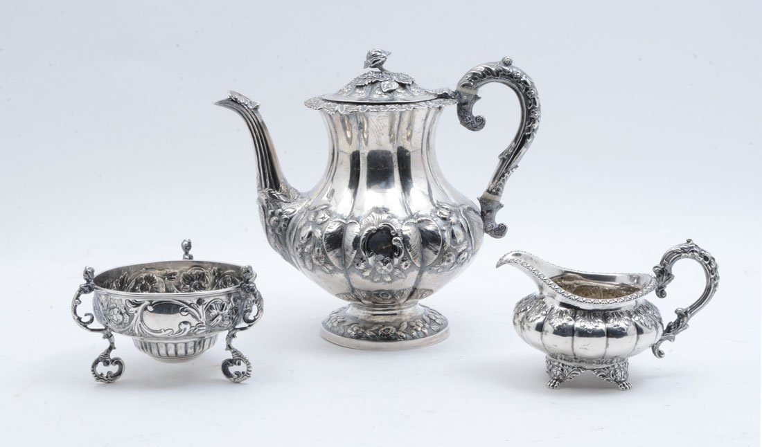 JOHN LAMPFERT GEORGE III ENGLISH SILVER COFFEE POT