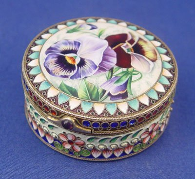 13: RUSSIAN ENAMELED SILVER BOX WITH PANSY COVER