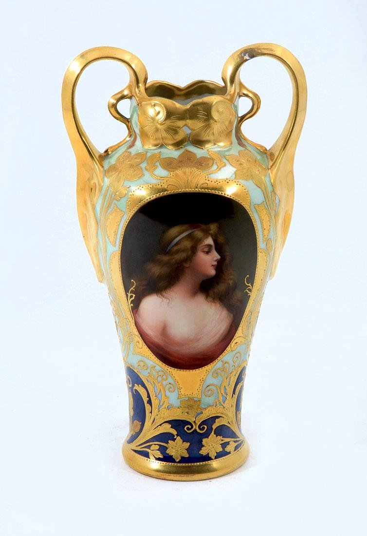 19TH CENTURY ROYAL VIENNA PORTRAIT VASE