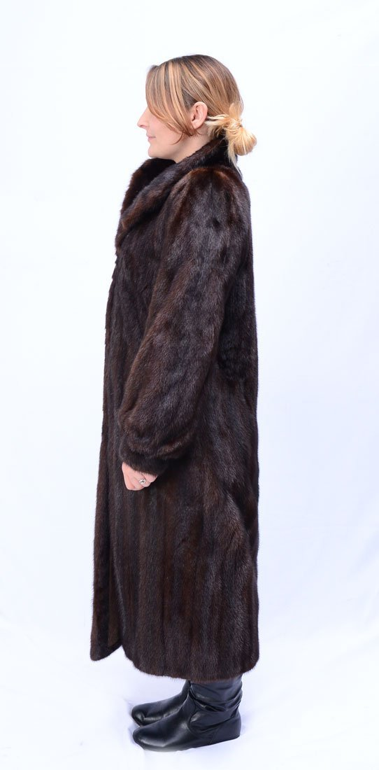 FULL LENGTH MAHOGANY MINK COAT - 2