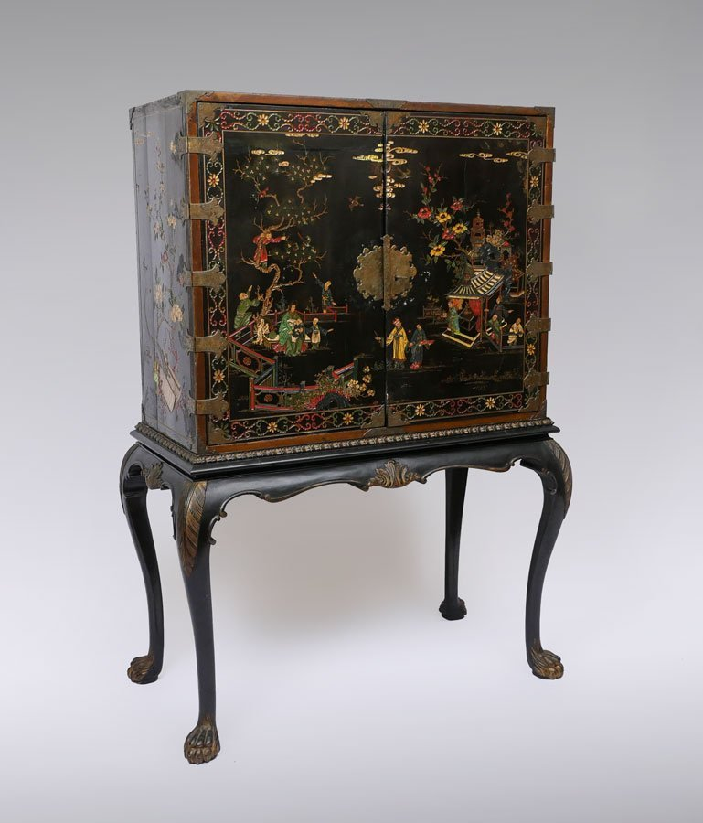 CHINOISERIE DECORATED LIQUOR CABINET ON STAND