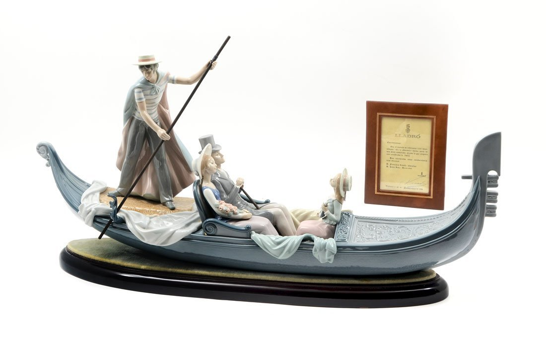 LLADRO IN THE GONDOLA 1350 PORCELAIN FIGURAL GROUP