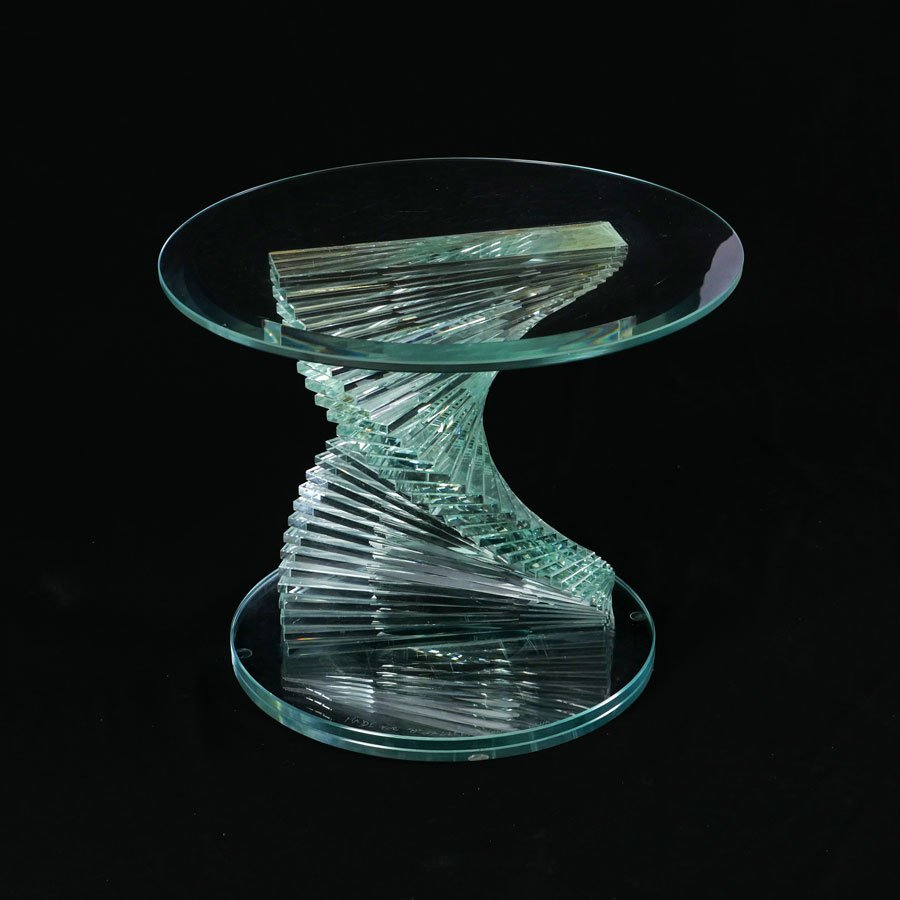 SQUAT CUSTOM GLASS PEDESTAL