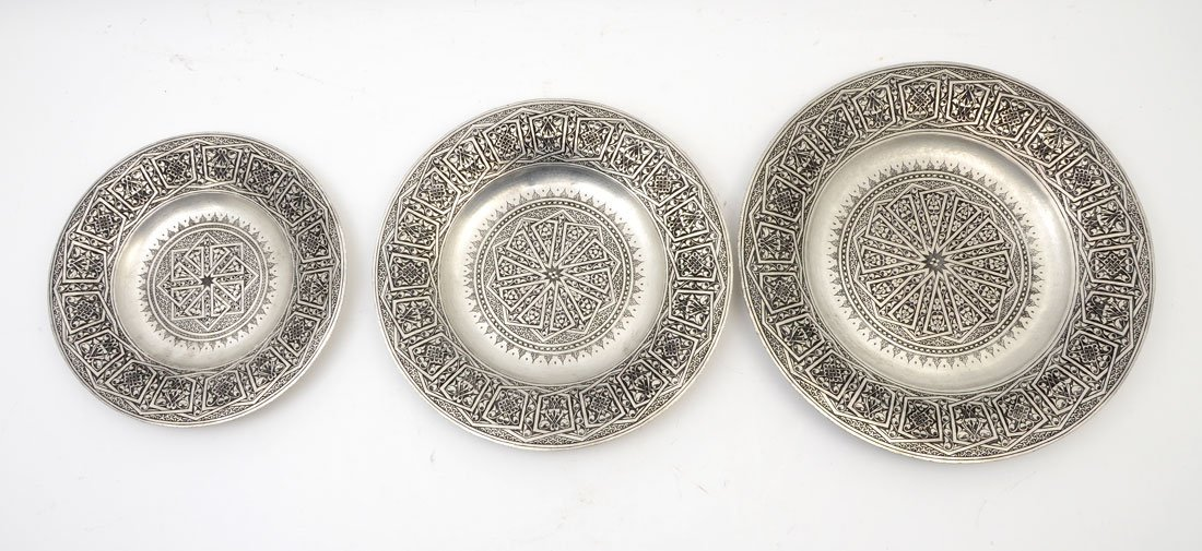 3 GRADUATED TURKISH DAMASCENE ENGRAVED CHARGERS