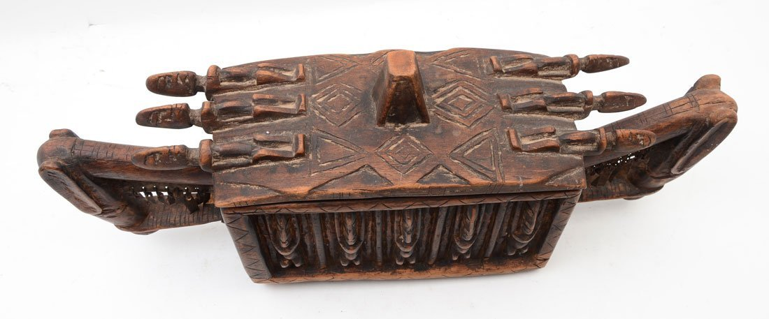 WEST AFRICAN DOGON CARVED FIGURAL MEDICINE BOX - 3