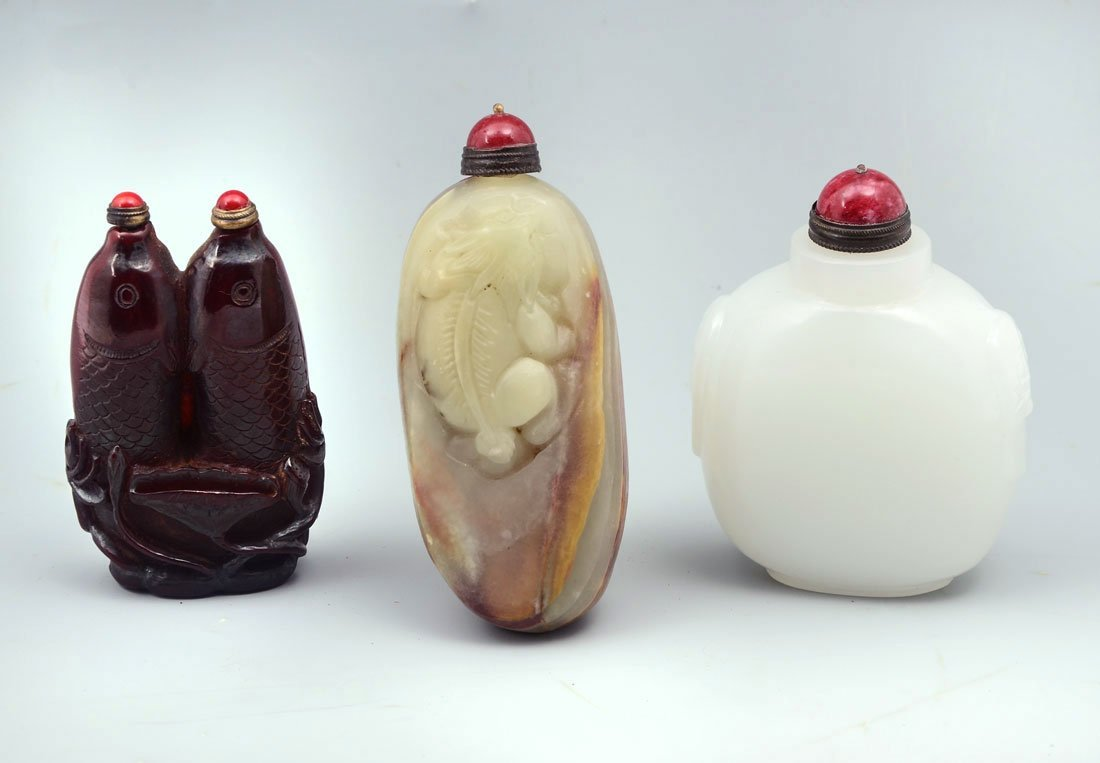 COLLECTION OF 3 CHINESE SNUFF BOTTLES