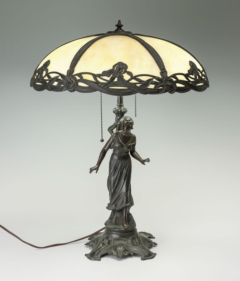 FIGURAL SLAG GLASS TABLE LAMP
