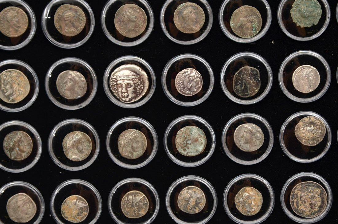 COLLECTION OF ANCIENT ROMAN & GREEK COINS - 3