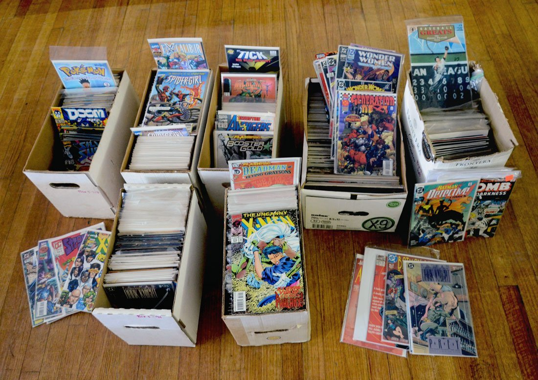 APPROX. 900 MODERN AGE COMIC BOOKS