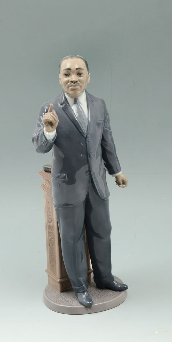 LLADRO DR. MARTIN LUTHER KING 7528 FIGURINE