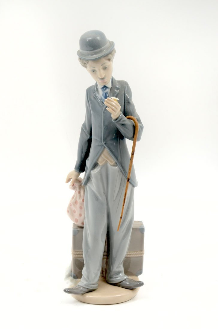 LLADRO CHARLIE CHAPLIN THE TRAMP 5233 FIGURINE
