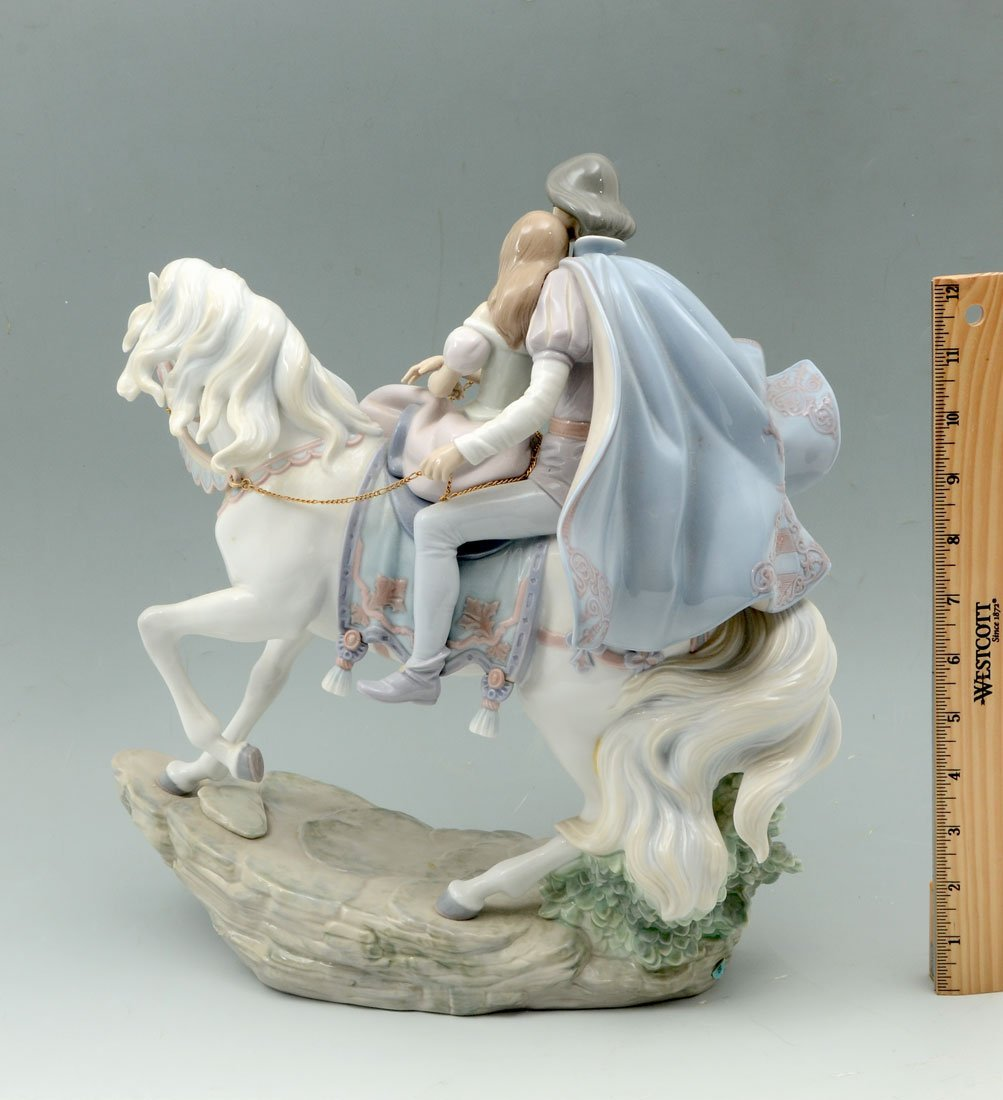 LARGE LLADRO LOVE STORY 5991 PORCELAIN FIGURINE - 2